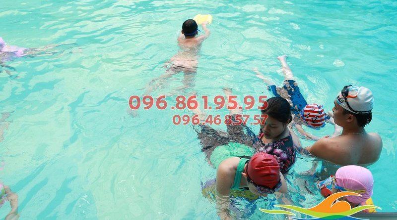 Dạy bơi tại bể bơi khách sạn Bảo Sơn Hà Nội