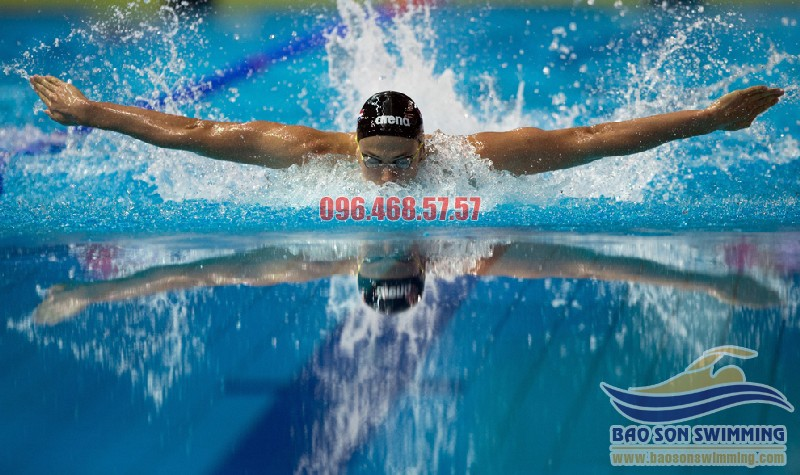 Học thở đúng cách khi bơi trong vòng 10 phút