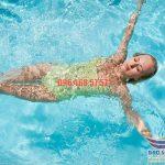 Bơi ngửa thuần thục với 6 động tác bơi nâng cao