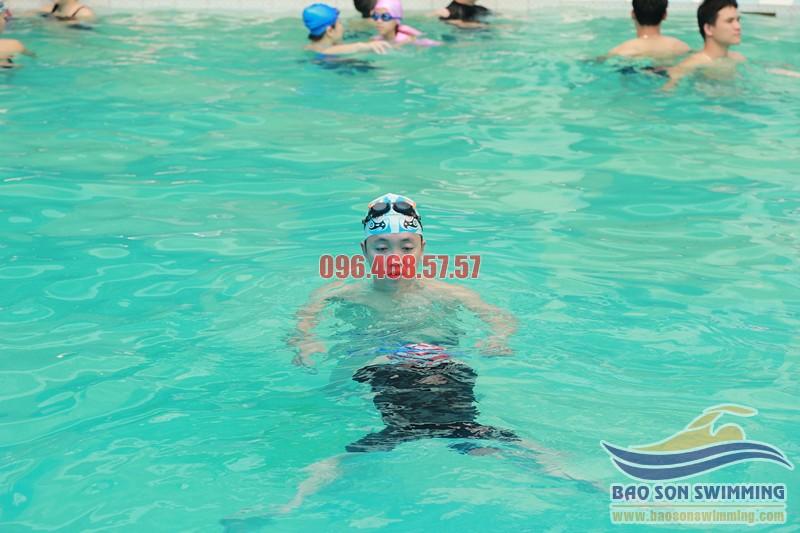 Cách thực hiện kỹ thuật bơi ếch nhanh, đẹp chuẩn xác