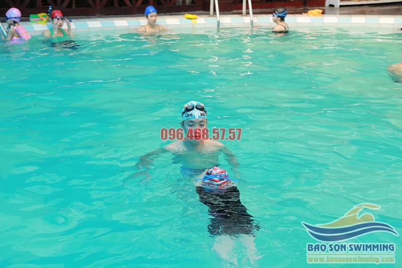 Trung tâm dạy học bơi bể bơi khách sạn Bảo Sơn uy tín
