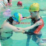 5 điểm thu hút học viên tại lớp dạy bơi bể Bảo Sơn