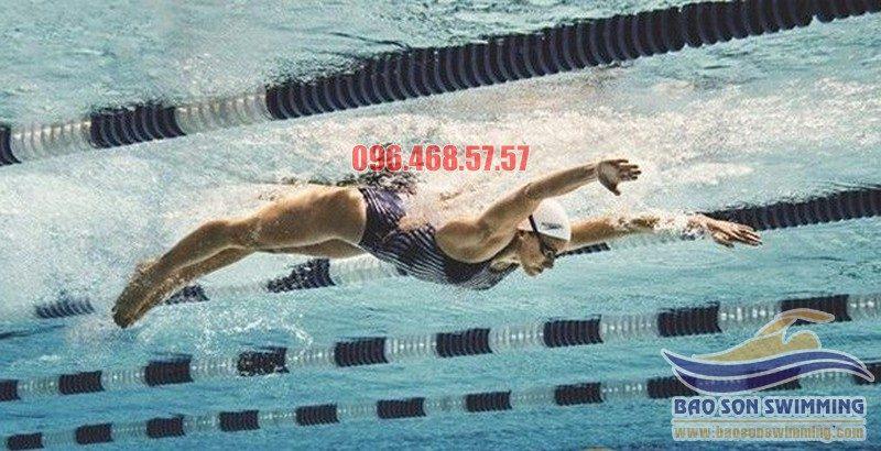 Hướng dẫn cách uốn sóng trong bơi bướm đẹp, đúng kỹ thuật