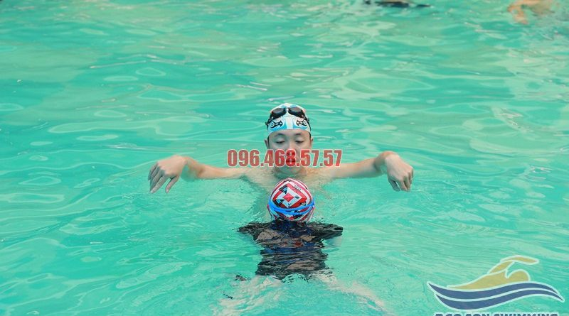 Lớp học bơi ếch chất lượng nhất tại bể bơi khách sạn Bảo Sơn
