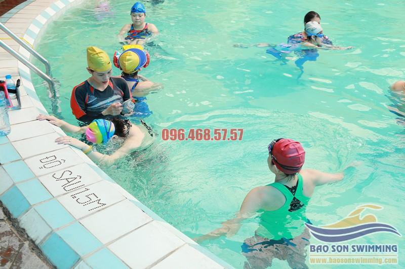 Trung tâm dạy học bơi bướm đẹp, đúng cách bể bơi khách sạn Bảo Sơn