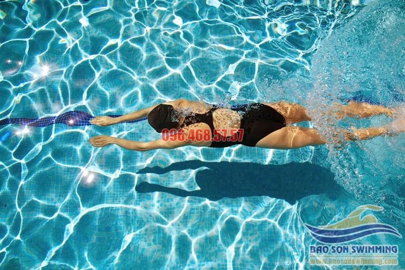 Tập thở đúng cách với từng kiểu bơi