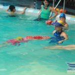Trung tâm dạy học bơi bể Bảo Sơn uy tín, cam kết bơi thành thạo