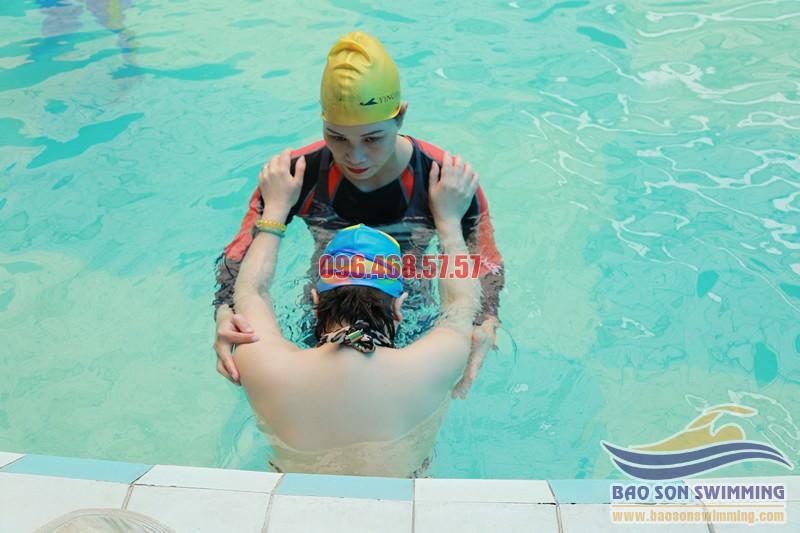 Trung tâm dạy bơi bể Bảo Sơn uy tín, cam kết bơi thành thạo