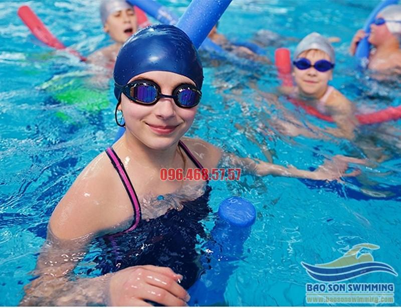 Lợi ích của bơi lội đối với trẻ em
