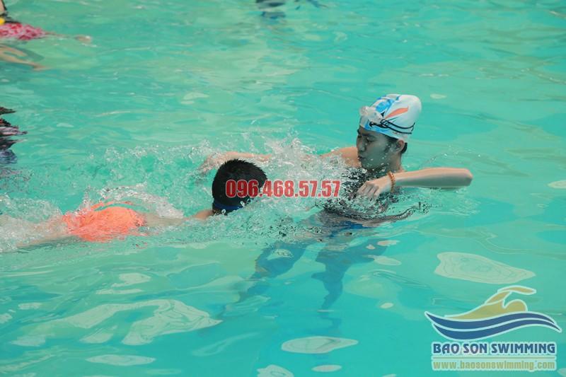 Bảo Sơn Swimming trung tâm dạy bơi cho bé bể bơi khách sạn Bảo Sơn chất lượng