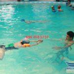 Các lớp học bơi ếch kèm riêng bể bơi khách sạn Bảo Sơn hè 2017