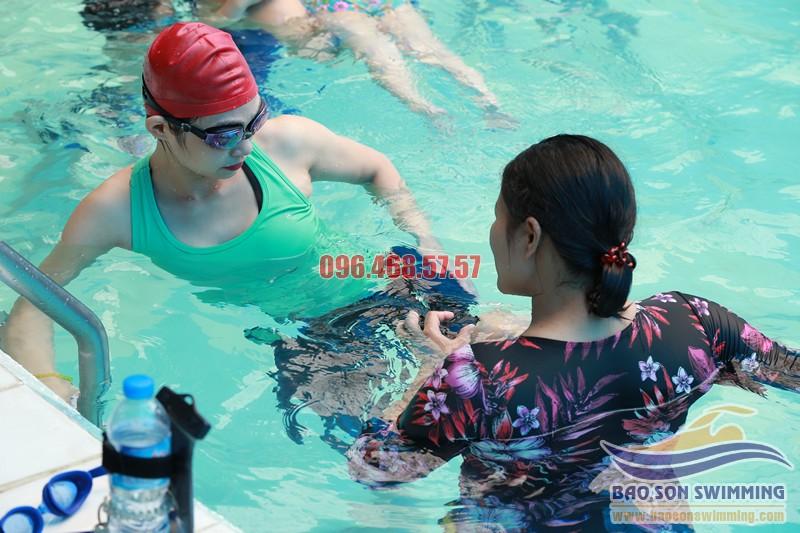 Lớp học bơi tốt nhất cho nữ giới tại bể bơi Bảo Sơn
