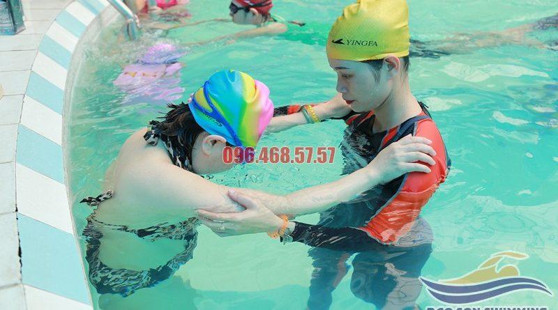 Trung tâm dạy học bơi bể bơi khách sạn Bảo Sơn hè 2017 uy tín