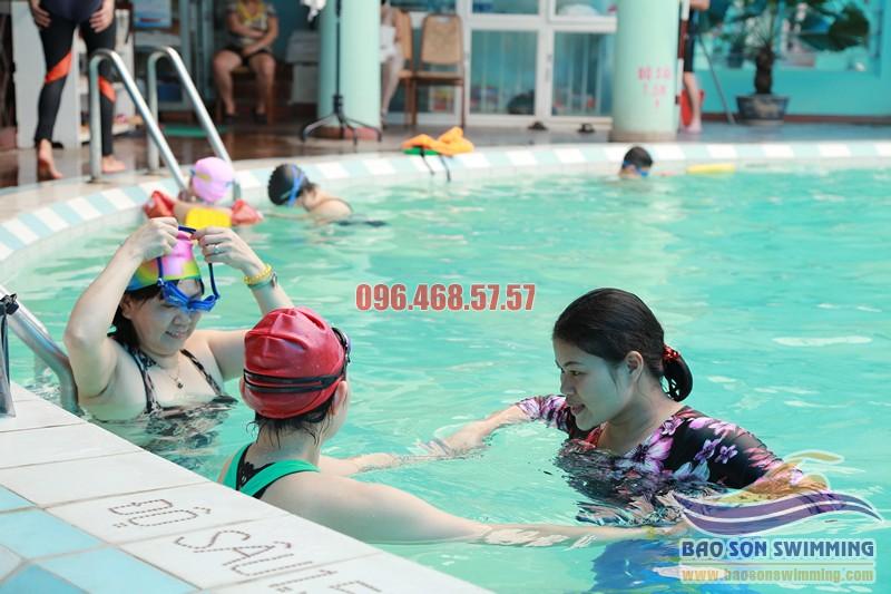 Dạy học bơi bể bơi khách sạn Bảo Sơn hè 2017, học phí hợp lý
