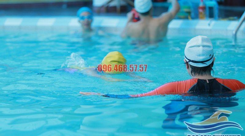 Các lớp dạy học bơi bể bơi khách sạn Bảo Sơn hiện có hè 2017