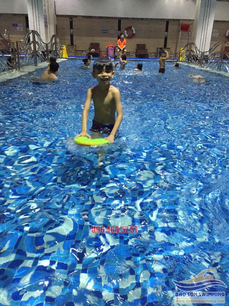 Học bơi tại bể Hapulico hiện đại nhất Hà thành