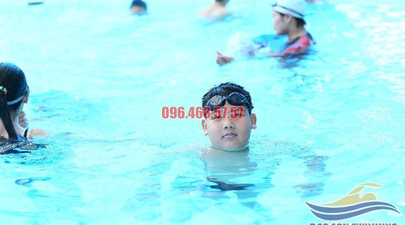 Kiểu bơi nào tốt nhất cho trẻ em?