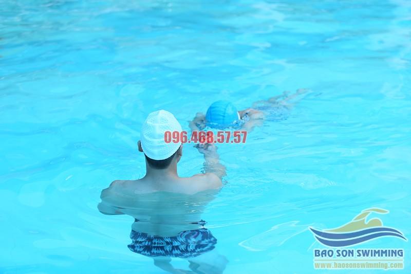 Trung tâm dạy học bơi Hà Nội uy tín, chất lượng